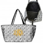 32679-BLACK/WHITE 7 POCKET GREEK KEY DESIGN TRAVEL,BEACH OR SHOPPING TOTE