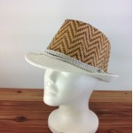 1804 - TAN/WHITE CHEVRON DESIGN STRAW HAT