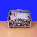 23115 - GRAPE DESIGN BEADED NAPKIN / GLASS HOLDER