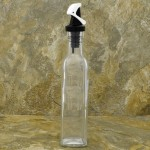 931484-WH-BK- 0z. TOP WHITE & BLACK GRAVITY LID OIL & VINEGAR BOTTLE