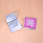 ST32118 - COMPACT MIRROR / W HOT PINK CRYSTAL