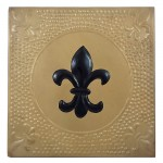 1098 - SQUARE WALL PLAQUE GOLD W/ BLACK FDL HAMMERED