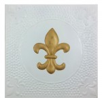 1098 - SQUARE WALL PLAQUE WHITE W/GOLD FDL HAMMERED