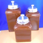 60003-BROWN-KNOB-SIL CERAMIC LARGE BROWN CANISTER SET W / PLAIN KNOB LIDS