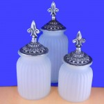 60004FRST-ANT-FDL-LARGE ROUND FROSTED CANISTER SET W/ ANTIQUE FDL LIDS