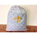 32621-GREY GREEK KEY DESIGN LAUNDRY BAG W/GOLD FDL