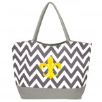 181260 - GREY/WHITE CHEVRON PRINT SHOPPING OR BEACH BAG W/GOLD FDL
