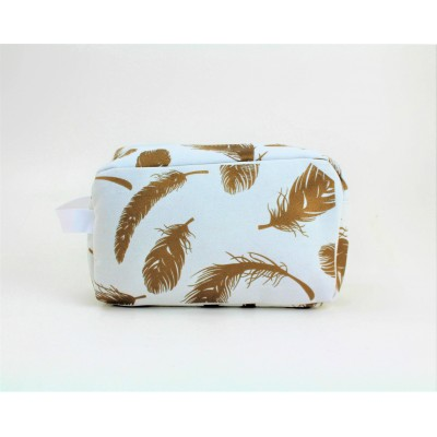 9229-WHITE FEATHER DESIGN COSMETIC BAG