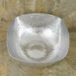 3552 - SQUARE BOWL HAMMERED SMALL