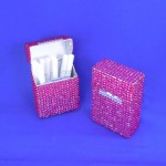 ST32106-HPNK CIGARETTE HOLDER / HOT PINK CRYSTAL