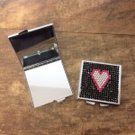 ST32118 - HEART COMPACT MIRROR / W BLACK CRYSTAL