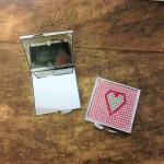 ST32118 - HEART COMPACT MIRROR / W PINK CRYSTAL