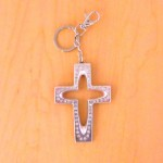 7010-CLEAR CRYSTAL CROSS / SILVER KEY CHAIN HOLDER