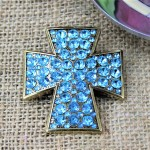 1017TQ - TURQUOISE STONE CANDLE PIN W / CROSS