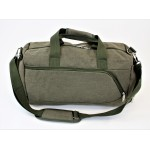9168 - GREEN CANVAS DUFFLE BAG