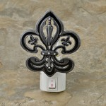 YX2003-FDL-BLACK NIGHT LIGHT W/FLEUR DE LIS