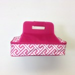 32566-PINK GREEK KEY DESIGN INSULATED CASSEROLE CARRIER W/HANDLE