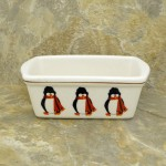 34380 - CERAMIC RECTANGULAR CHRISTMAS BOWL - PENGUINS